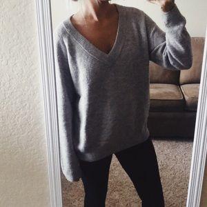 H&M Basics Comfy Knit V-Neck Sweater Oversized